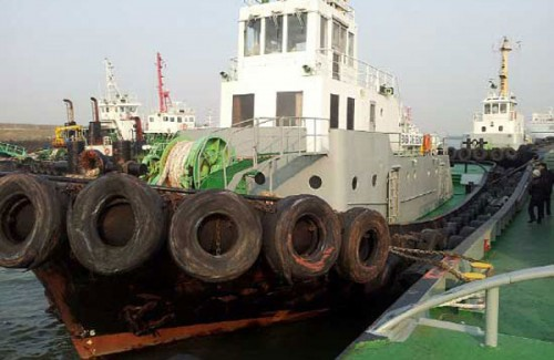 Harbor Tugs for Sale http://sale-ships.com/ads/harbor-tug-2900-hp-for-sale/