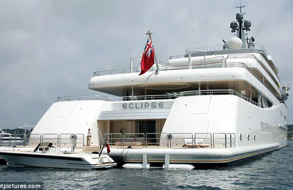 Eclipse yacht aft