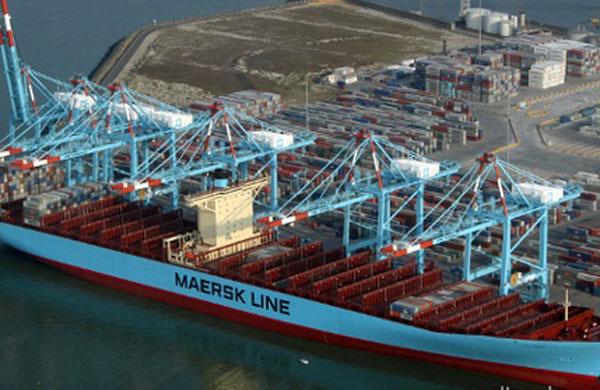 Elly Maersk load