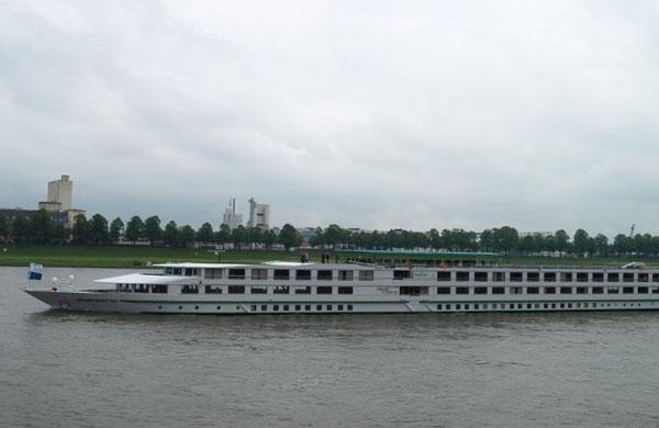 Gerard Schmitter ship