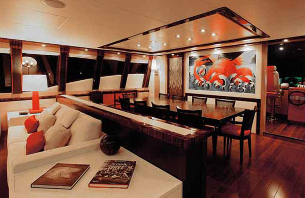 Octopus yacht dining