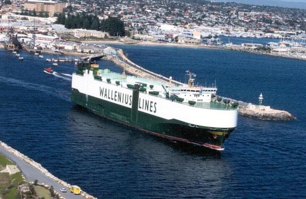 mv Faust car carrier